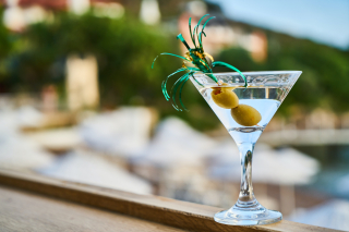Close-up-photo-of-martini-with-olives-2531186